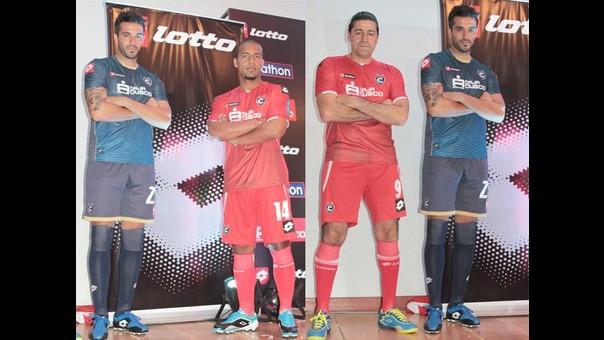 Cienciano presenta su nuevo uniforme para la temporada 2015  0249ef67f2fc3