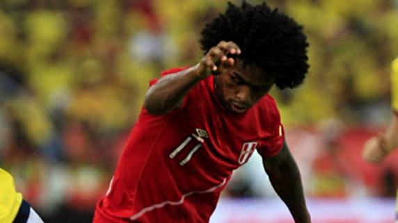 Yordy Reyna fue criticado por fallar una clara chance de gol en Barranquilla.