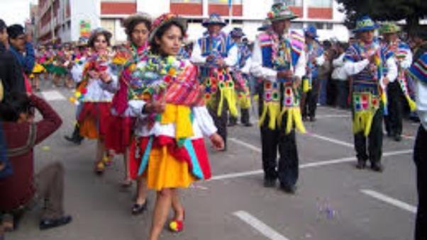Estudiantes de diversas instituciones educativas participan de tradicional actividad.