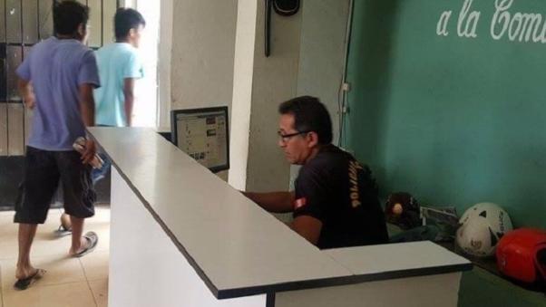 Policías de Olmos se entretienen mucho en facebook y no atienden denuncias de comuneros.