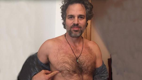 El actor Mark Ruffalo se unió a una campaña de lucha contra el cáncer de mama en hombres
