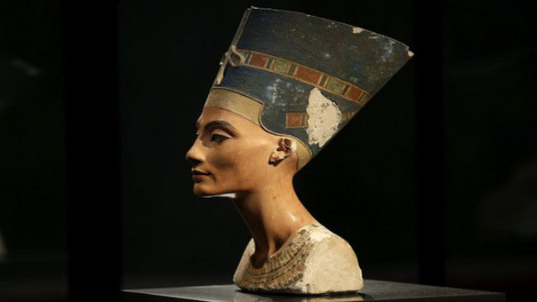 En busca de Nefertiti