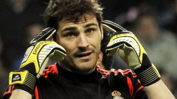 Iker Casillas le respondió a 'troll' en Twitter