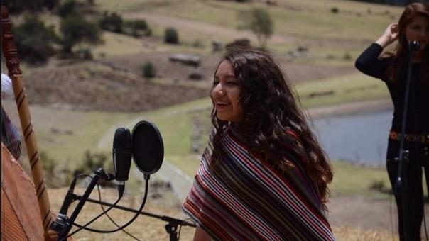 Renata Flores lanza nuevo video en quechua