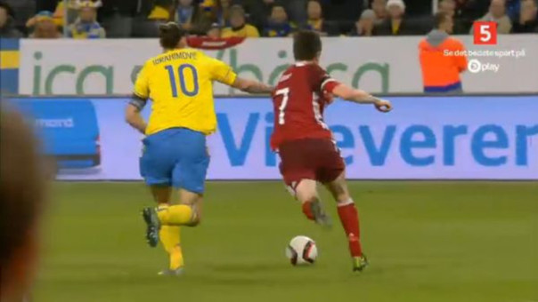 Zlatan Ibrahimovic y su agresión a un jugador de Dinamarca