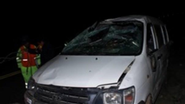 Occiso iba de copiloto en la unidad mientras que chófer se dio a la fuga.