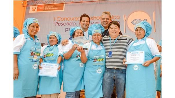Destacados chef peruanos capacitan a madres de comedores