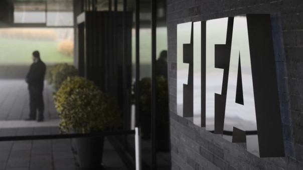 Dos dirigentes de la FIFA detenidos