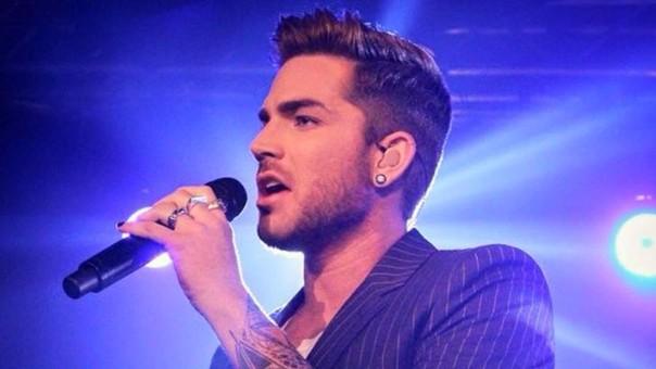 El cantante Adam Lambert topa con el conservadurismo antigay en Singapur