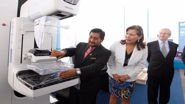 Dirección Ejecutiva de EsSalud donará moderno mamógrafo a Hospital Almanzor Aguinaga.
