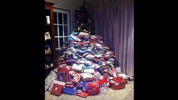 facebook madre comparti foto con los regalos de navidad para sus hijos