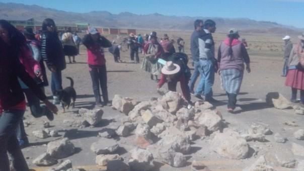 Bloqueo de carretera en Ayaviri