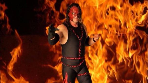Kane y su blooper en el ring de la WWE