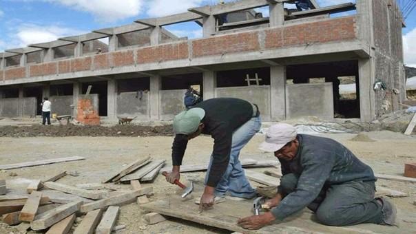 A buen ritmo marcha mantenimiento de colegios de Lambayeque.