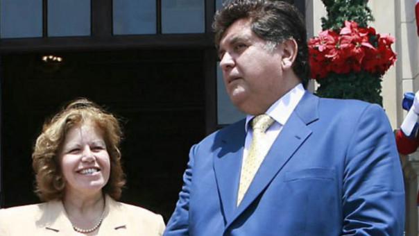 Izq. Lourdes Flores / Der. Alan García