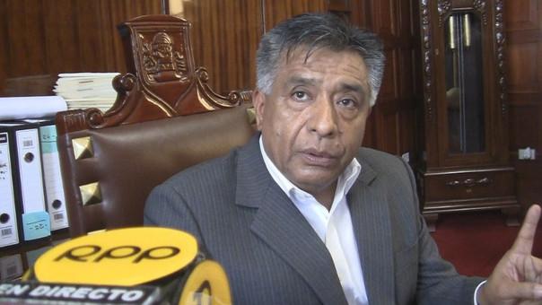 Cornejo asegura que cumplirá con reubicación de informales