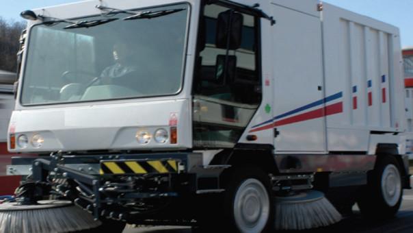 Moderna barredora reforzará trabajo de limpieza en la ciudad de Chiclayo.