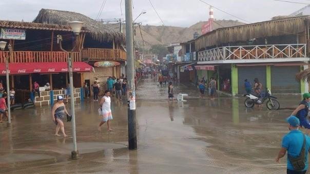 Oleaje ocasiona inundaciones en Mancora