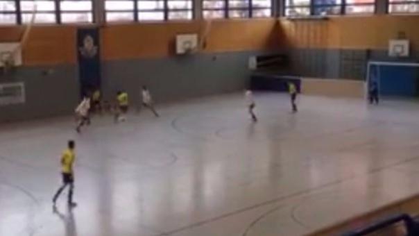 Golazo en el futsal alemán