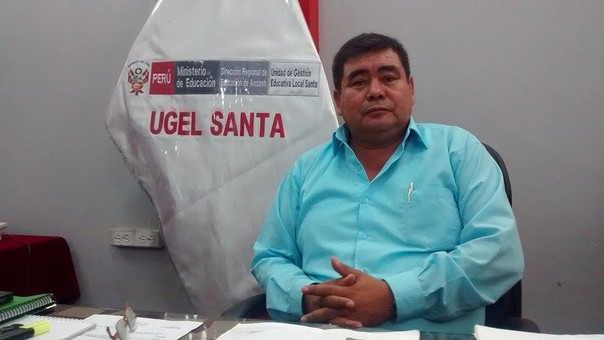 Director de la Ugel Santa, Robert Medina.