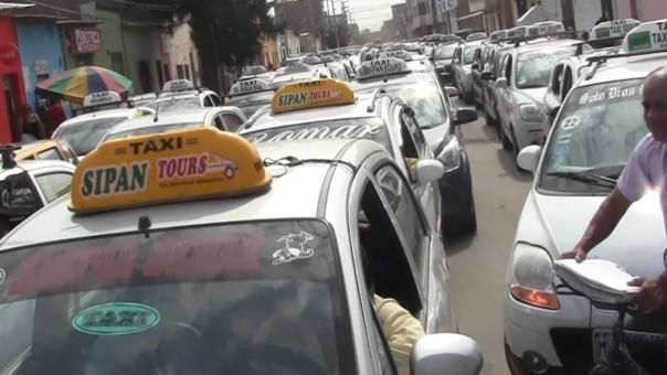 Movilización de taxistas de Chiclayo.
