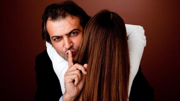 Las razones por las que un hombre es infiel son distintas a las de una mujer.