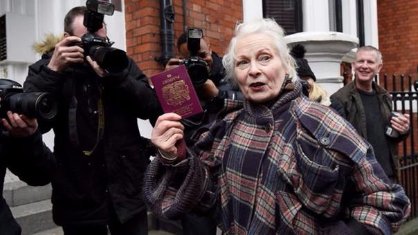 Julian Assange: fundador de Wikileaks recibe el apoyo de Vivienne Westwood