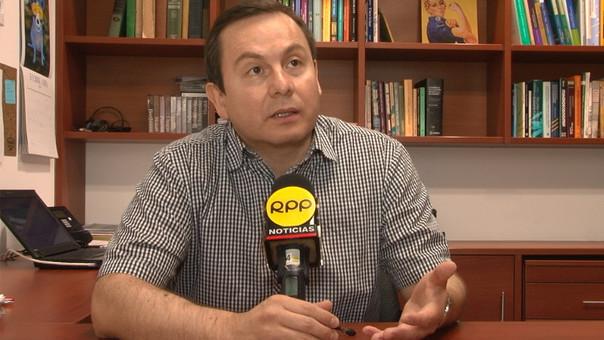 Economista Juan Mendoza estima que el dólar podría llegar a 4 soles a fines del 2016.