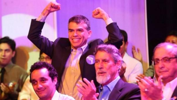 Candidato de Todos por el Perú, Julio Guzmán