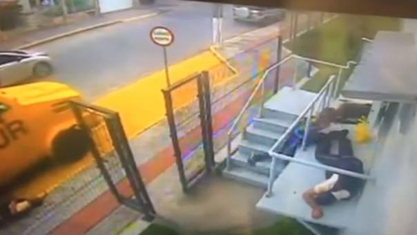 Toda la escena fue registrada por una cámara de seguridad