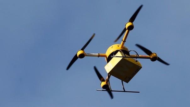 Drones sobrevolando los cielos