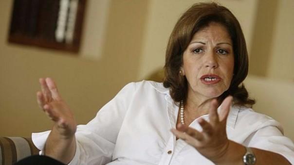 Lourdes Flores respaldó acusación de Alan García contra encuestadora