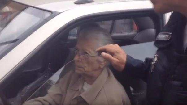 Abuelita se fugó para evitar multa
