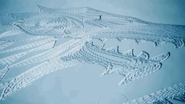 YouTube: hombre crea un enorme diseño de Game of Thrones en la nieve