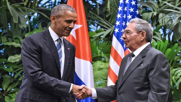 Obama con Raúl Castro en La Habana