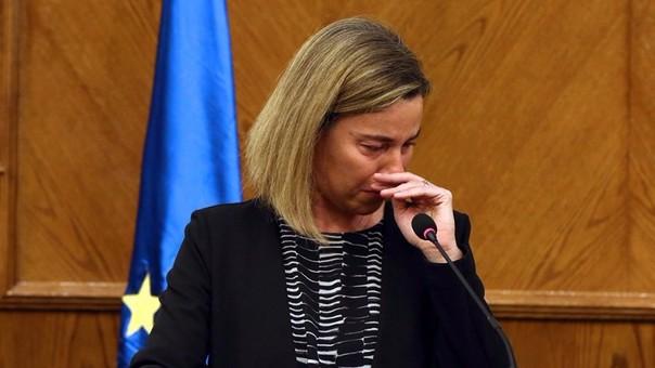 Federica Mogherini dio una conferencia de prensa desde Jordania.