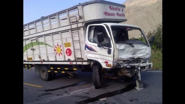 Accidente vehicular en Panamericana Sur