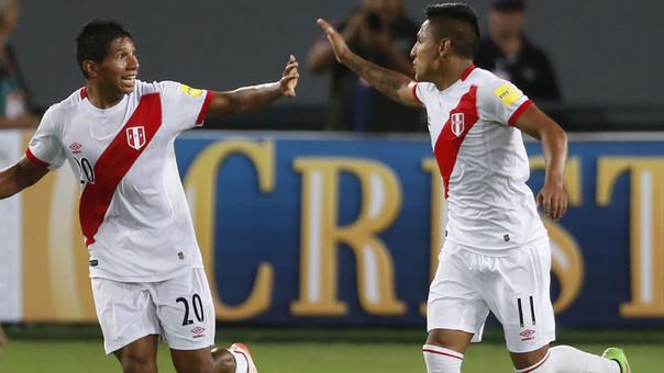 Edison Flores y Raúl Ruidíaz jugaron bien