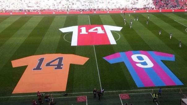 Ajax le rindió homenaje a Johan Cruyff.