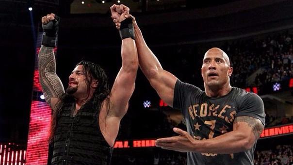 La WWE trajo a The Rock para ayudar a aumentar la popularidad de su primo Roman Reigns, pero esto tampoco solucionó el problema.
