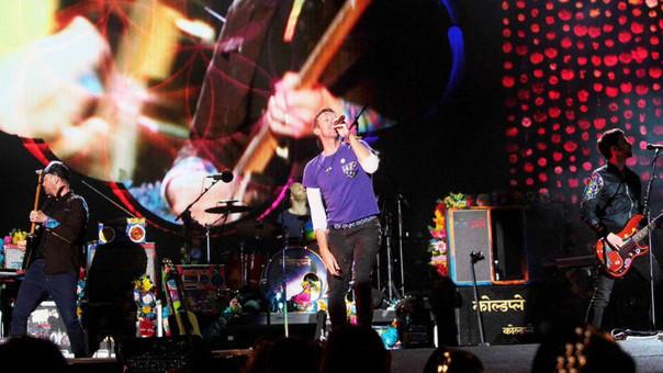 Coldplay ofrece en Río gran fiesta y pone al estadio Maracaná a sus pies