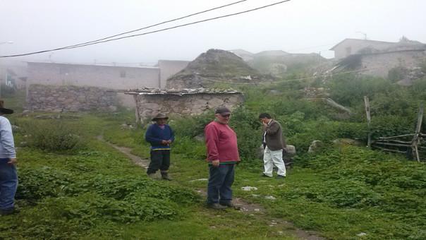 Pobladores de San Pedro de Huaroquín