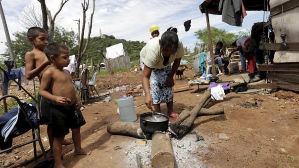 INEI: Unos 221 000 peruanos dejaron de ser pobres en el 2015