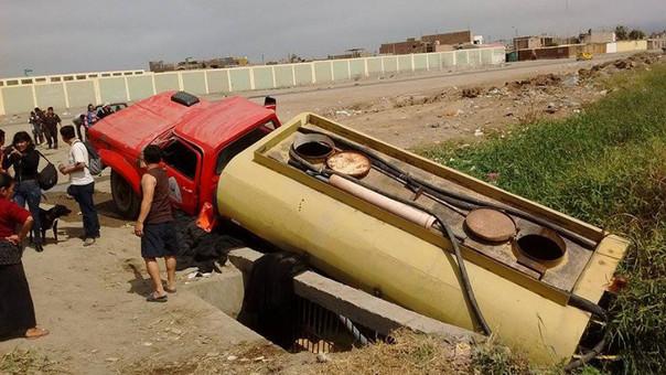 Cisterna caído en Chimbote