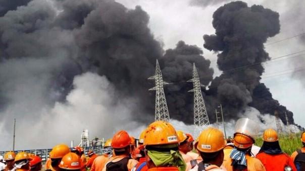 Explosión en planta petroquímica de Pemex