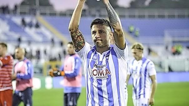 Gianluca Lapadula permanecerá en el fùtbol italiano con el Pescara buscando el ascenso.