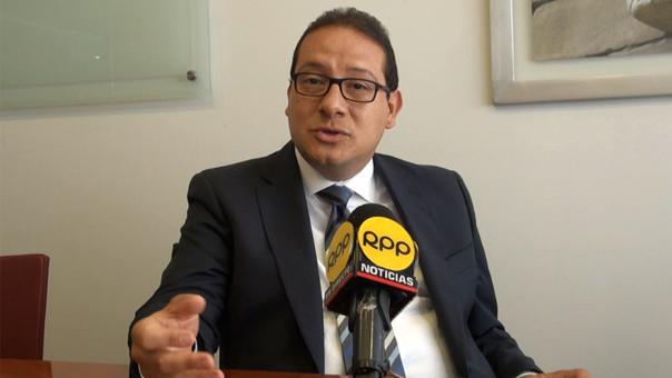 César Puntriano, abogado laboralista, opina sobre alza del sueldo mínimo.