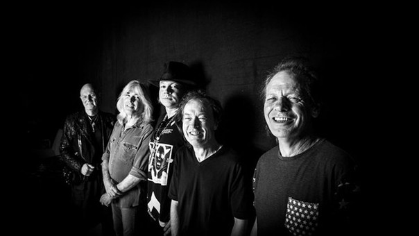 Axl Rose reemplazará a Brian Johnson en AC/DC