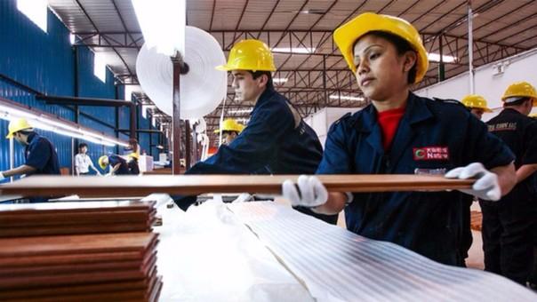 El mayor crecimiento del empleo formal se registró en la población adulta de 45 y más años de edad (31,0 % que equivale a 353 000 personas).