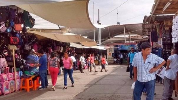 Plataforma Arica del Mercado Modelo de Chiclayo